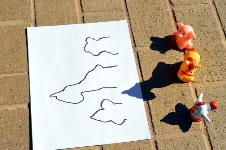 Shadow drawing with toys